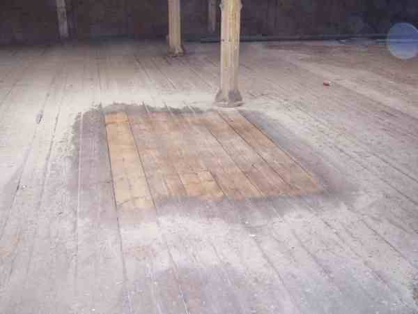 wood cleaning, sandblasting, grit blasting, paint removal, oak cleaning, beam cleaning